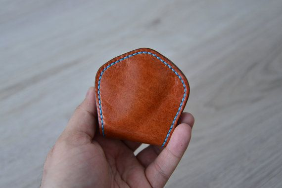 Leather coinpurse on   https://www.etsy.com/nl/listing/232923381/leather-mens-coinpurse