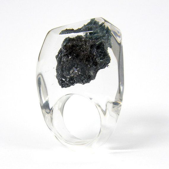 """Clear resin ring with Carborundum #ring by """"sisicata"""" (Sylwia Calus, Warsaw, Poland)"""