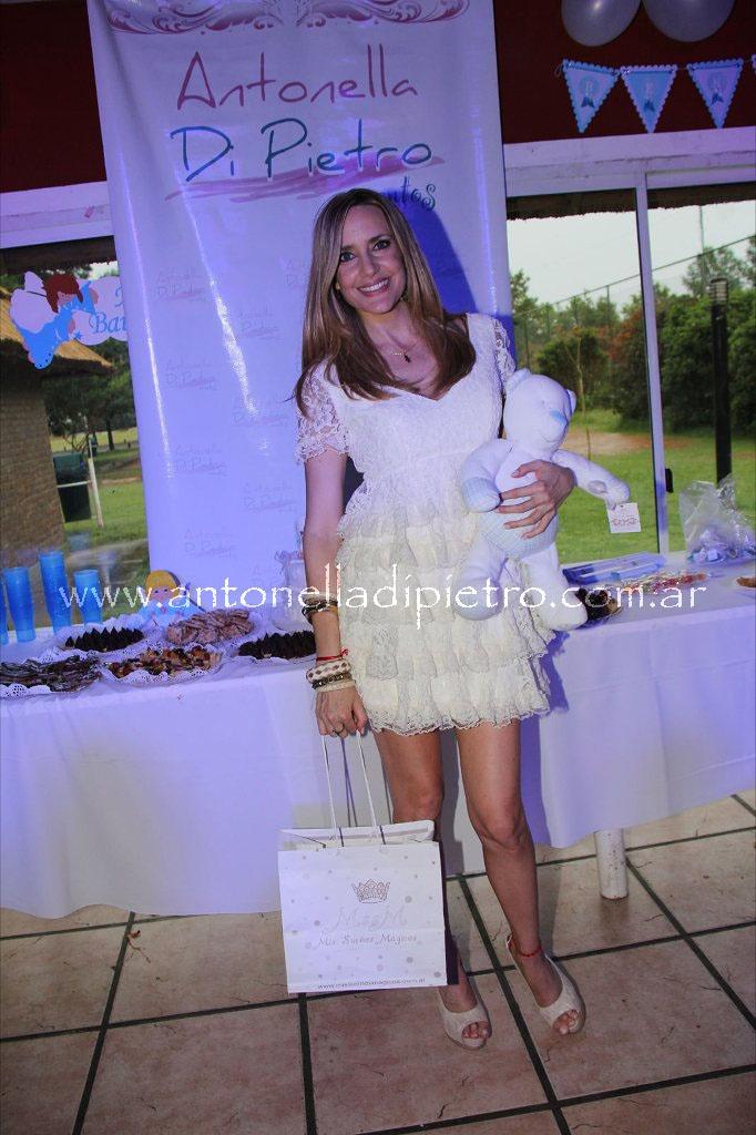 Bautismo del Benjamín hijo de la modelo y conductora Soledad Villarreal http://antonelladipietro.com.ar/blog/2011/11/bautismo-hijo-sole-villarreal/