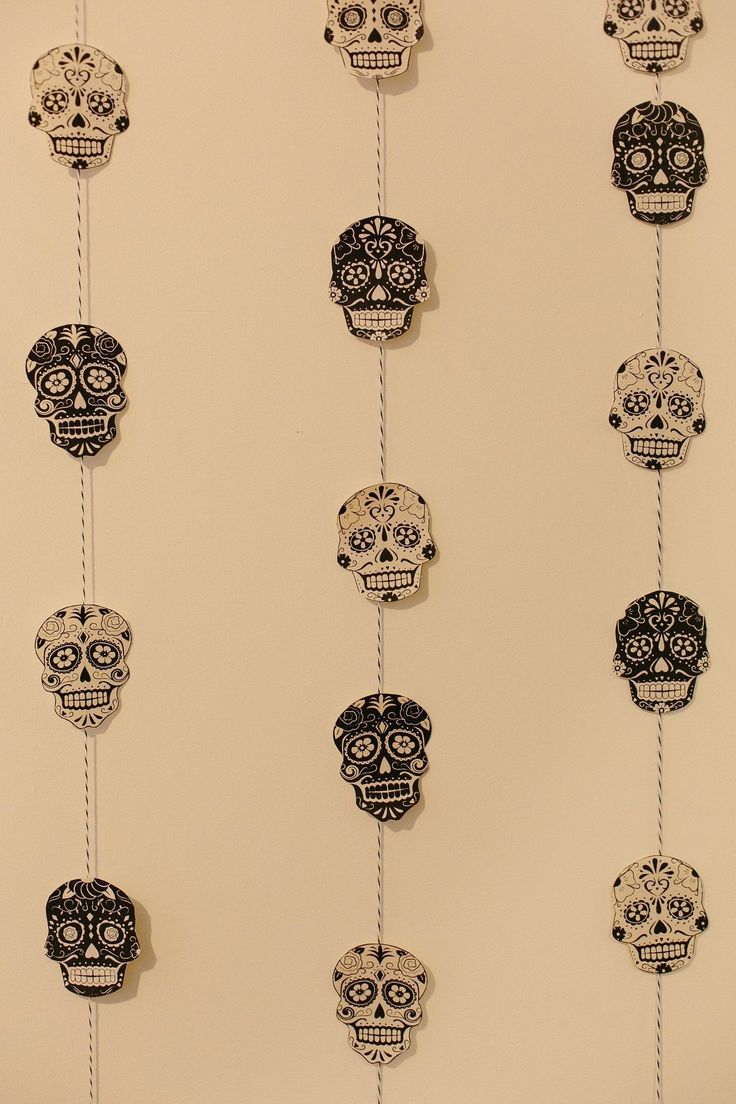 A Simple DIY Skull Garland for Halloween