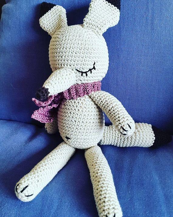 volpe artica freddolosa handmade  by The knitting fox