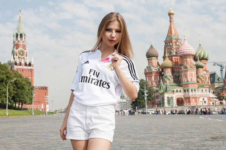 Real Madrid home girl showing the pink touch. Red Square as backdrop. Enjoy the view!