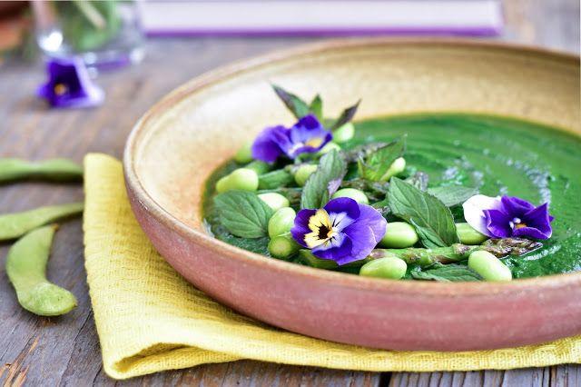 Fitt fazék kultúrblog : Spenót mentával, vajban pirított spárgával, szójababbal (vegan).