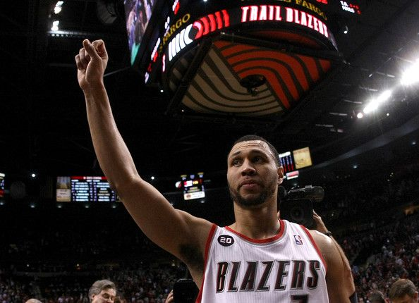 Update: Brandon Roy Reportedly Shot in Leg While Shielding Children, Expected to Make Full Recovery   Def Pen http://defpen.com/brandon-roy-injured-shooting-recovery/?utm_campaign=crowdfire&utm_content=crowdfire&utm_medium=social&utm_source=pinterest