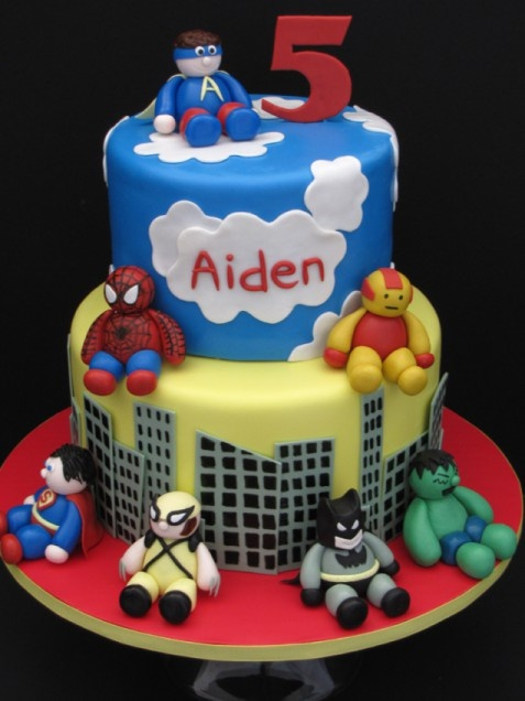 DIY Superhero Birthday Cake. http://www.ivillage.com/superhero-birthday-cakes/6-b-447642#447823