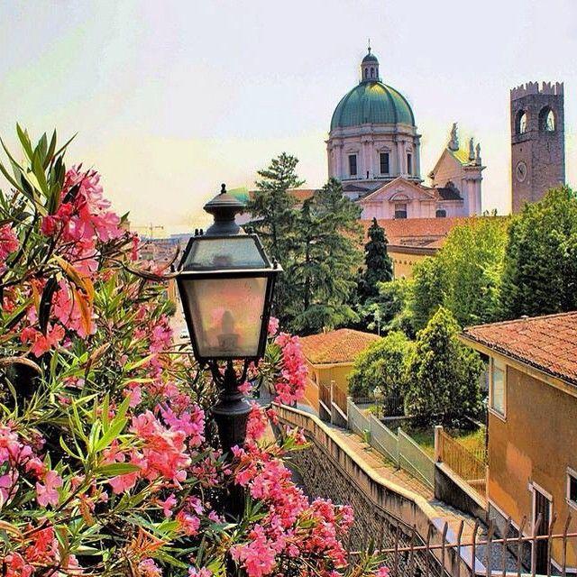 Brescia dall'alto in primavera