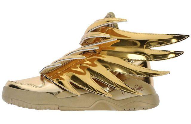 Aus Liebe zum sportlichen Schuh setzen wir mit dieser Kollektion ein Zeichen: Viele dieser Sneaker sind Unikate und Raritäten. Originelle Hingucker sind sie alle. Sie glitzern und funkeln, schiller...