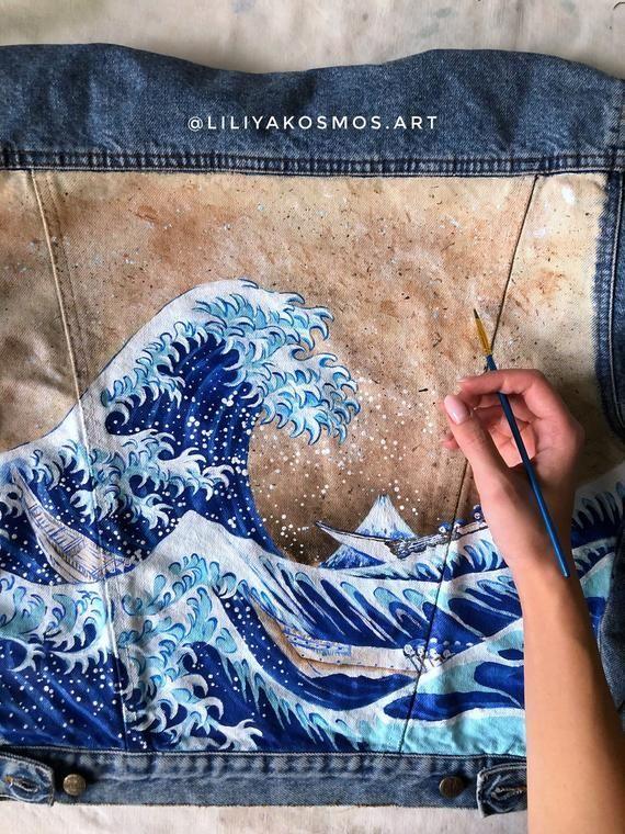 Handbemalte benutzerdefinierte Jeansjacke. Die große Welle vor Kanagawa (! Bitte lesen Sie die Beschreibung!)