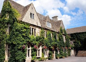 £99 -- Cotswolds Summer Stay w/Dinner & Wine, 38% Off