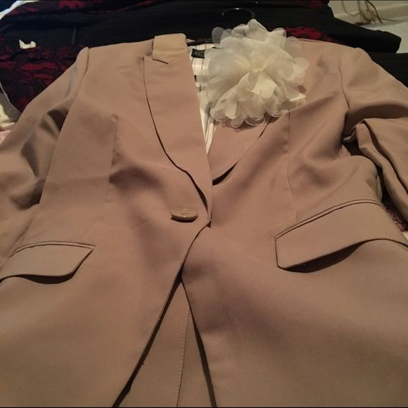Khaki blazer Never worn khaki blazer Ambiance Apparel Jackets & Coats Blazers