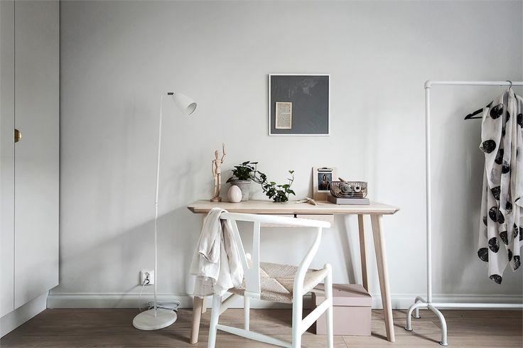 Ikea 'Lisabo' desk