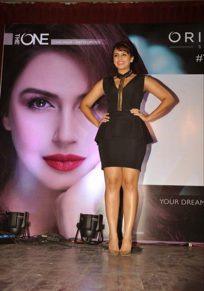 Huma Qureshi 2016 Hot Stills In Black Dress - Tollywood Stars