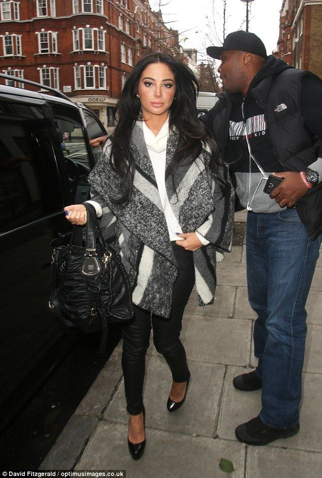 Tulisa Contostavlos steps out in bold geometric-print dress - Celebrity Fashion Trends