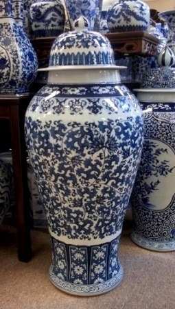 Blue and White Chinese Porcelain:Vases, Jars, Fishbowls etc.