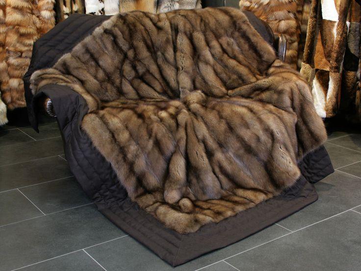 1000 ideen zu felldecke auf pinterest pelzwurf kunstpelzdecke und flauschige kissen. Black Bedroom Furniture Sets. Home Design Ideas