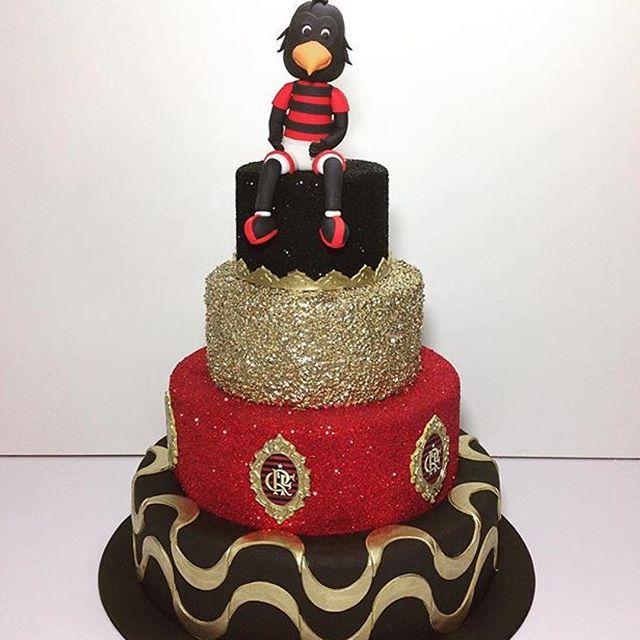 No bolo uma referência ao Rio, na simbologia de Copacana e o mascote do timão !!! Para @lubcavalcanti