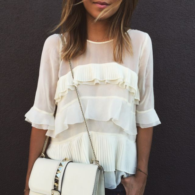 Rebecca Taylor 'Mosaic' Fil Coupe Top Flora (white, cream, flutter sleeve, layered) + Valentino white rockstud chain shoulder bag | http://liketk.it/19FbF #liketkit                                                                                                                                                                                 Más