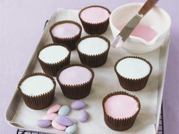 Cupcakes mit bunter Zuckerglasur zu Ostern ist ein Rezept mit frischen Zutaten aus der Kategorie Gebäck. Probieren Sie dieses und weitere Rezepte von EAT SMARTER!