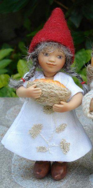 År 2007: Birgitte Frigast Godmorgen nisse, Frida, 10cm // http://www.nisse-shop.dk/epages/78608_1025911.sf/da_DK/?ObjectPath=/Shops/78608_1025911/Products/31-142