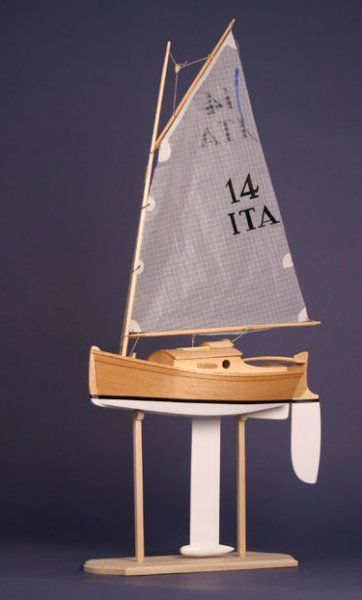 1082 best images about Pond Yachts (Model Boats) on Pinterest