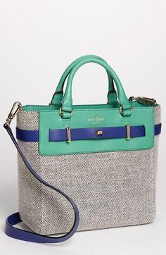 Kate Spade linda combinación de colores y texturas.