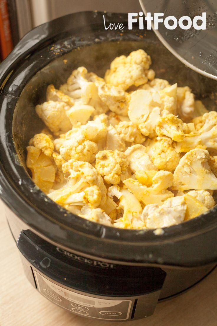Waarschuwing vooraf, want deze bloemkoolcurry met kip en ananas zorgt ervoor dat je je vingers bijna opeet. Glutenvrij, suikervrij, lactosevrij en lekker!