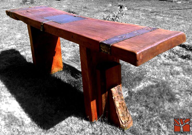 Nativo Redwood. Arrimos de madera roble rústico con cubierta de una pieza con bordes naturales con aplicaciones de fierro forjado y base de maderos escalonados.  Dimension: 0.60x2.00x0.90 www.nativoredwood.com www.facebook.com/nativoredwood