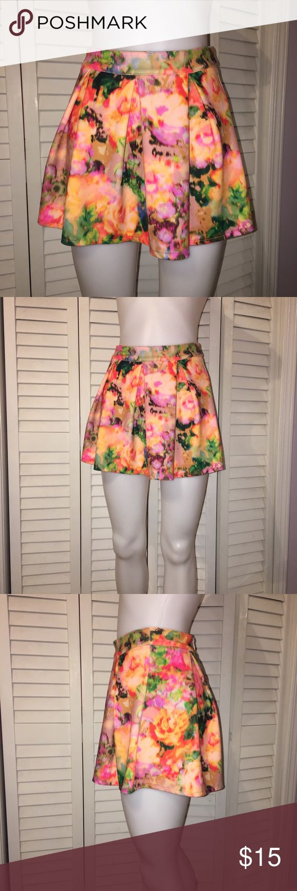 Aeropostale Floral Print Mini Skirt Brand new without the tags! I wore it once. Aeropostale Skirts Mini
