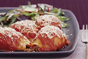 Un plat nourrissant qui allie la saveur piquante de la sauce pour pâtes au bon goût du mariage dinde-saucisse.