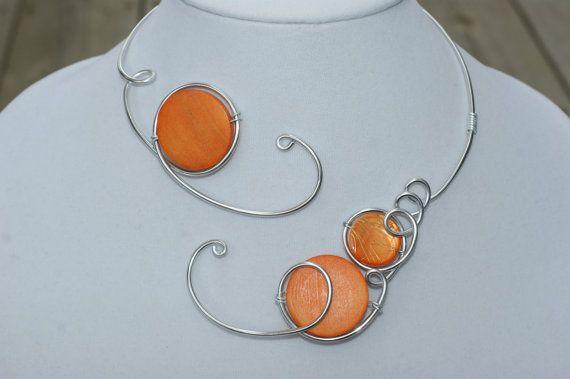 Fil métallique de tendances  collier Orange  par LesBijouxLibellule
