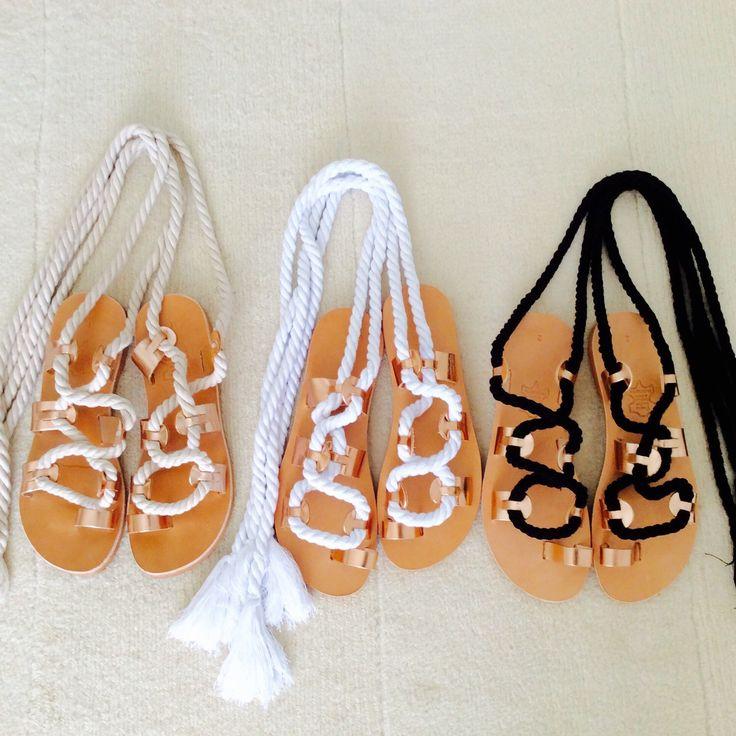 Beautiful minimal sandals in three wonderful shades !