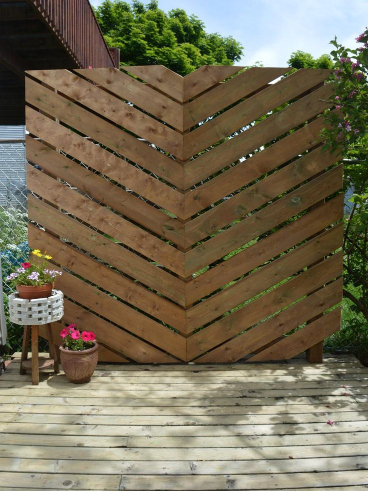 Looking for a way to bring privacy to your deck or patio without taxing your budget?Try one of these clever solutions for a more secluded outdoor space.