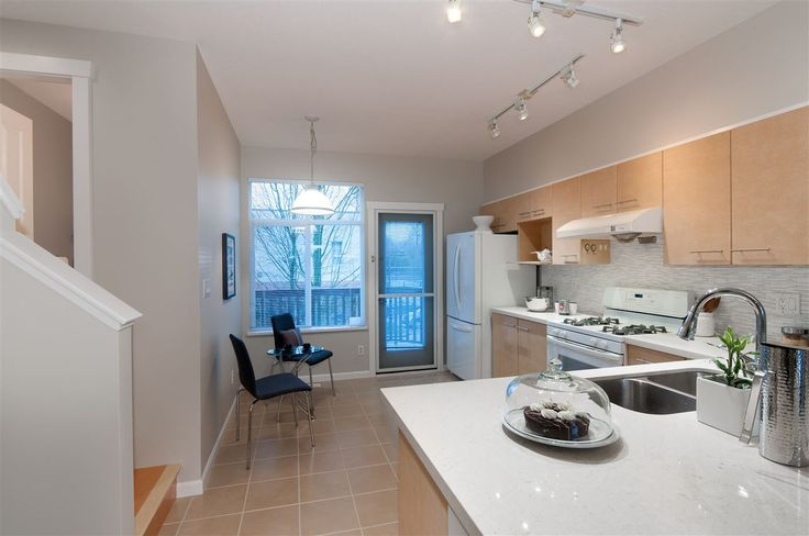 What do you think about this 2 bed townhouse at 14-9133 Sills Avenue Richmond I found on http://www.Zoocasa.com for $2,009 monthly?