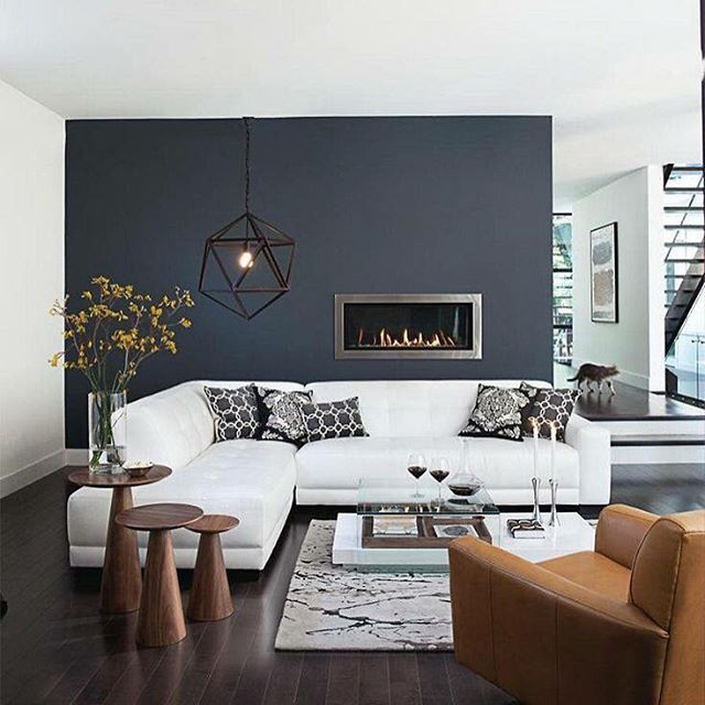 Koyu gri duvar ile yakalanan modernlik  #blackandwhite #grey #siyahbeyaz #gri #modern #daire #decoration #dekorasyon #livingroom