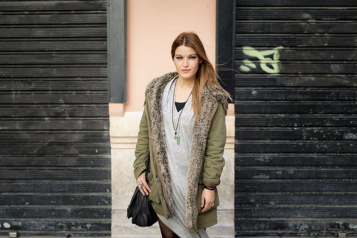 Me llamo María y nací en Málaga hace 24 años. Compagino mi trabajo con mis estudios sobre patronaje  de moda, se trata de una formación privada que estoy recibiendo con la intención de dedicarme a la moda. Es importante ser agradecido por lo que tenemos, de ese modo le damos mas valor las cosas. El amor es...Si quieres saber + https://www.facebook.com/HISTORIASFUGACESDEMALAGA