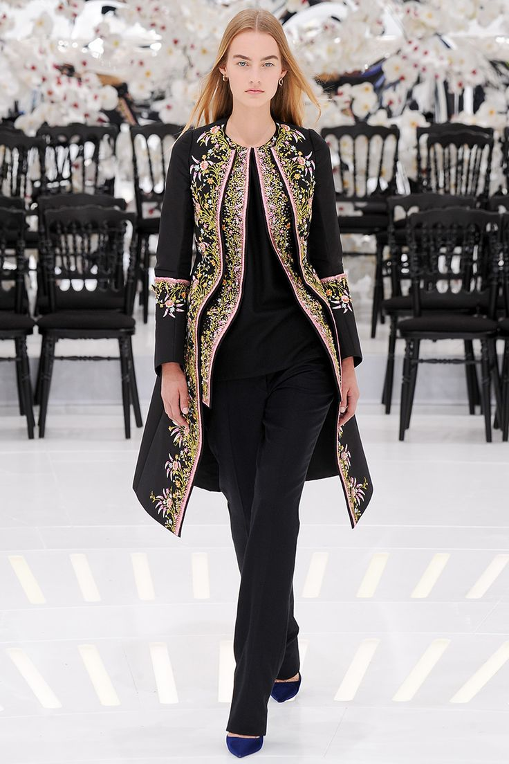 Fashion News Director Mark Holgate weighs in on the standout looks from the couture fall 2014 runways in Paris this past week.