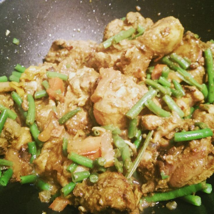Curry chicken with greens