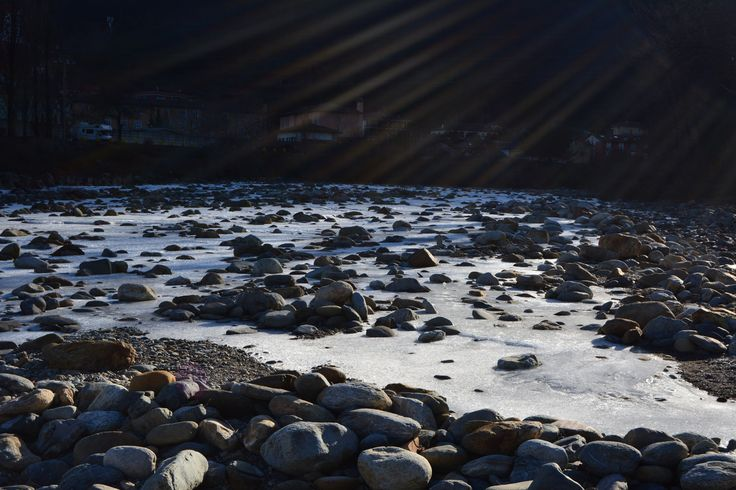 Frozen river 2 - null