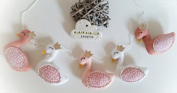 Cisne de guirnalda, guirnalda de niña cisne, cisne de fieltro guirnalda vivero Decor, decoración de dormitorio de niña, melocotón, Blush, blanco, regalos de bebé