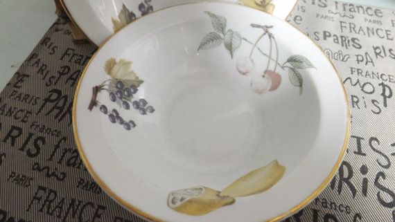 Mid-century (c.1950) Royal Worcester Evesham Fruit Gold rimmed cereal soup or salad bowl. Made in England. Oven to table & 86 best Evesham images on Pinterest | Worcester Porcelain and China