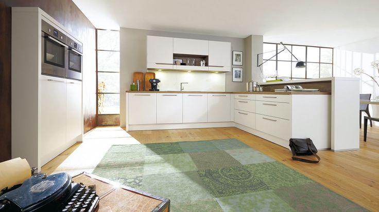 Die Front einer Küche ist eines der wichtigsten Designelemente in der Küche. Culineo bietet mit 89 verschiedenen Fronten Gestaltungsvielfalt auf höchstem Niveau. ...