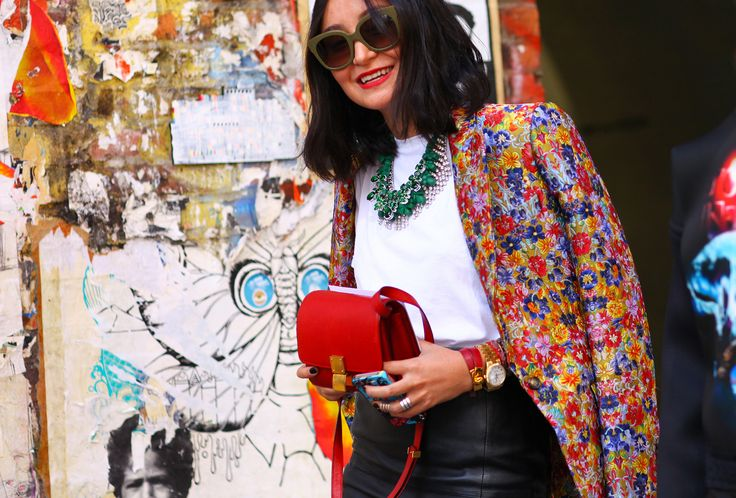 floral and leather.: Nyfw S S, Fashion Week, Street Style, Boxes, Floral Jackets, New York Fashion, Blazers, Celine Jackets, Bags