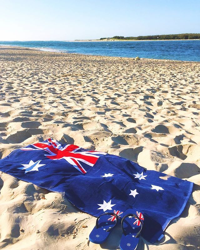 Thongs, CHECK ✅ Towel, CHECK ✅. There's nothing more Australian than a day by the water. Bulcock Beach @visitcaloundra, you're looking mighty fine today! Happy Australia Day! 🇦🇺 😃 👋 Photo: @anitaski via #VisitSunshineCoast. Thank you for sharing your Australian moment with us, Anita! #thisisqueensland #seeaustralia #visitcaloundra