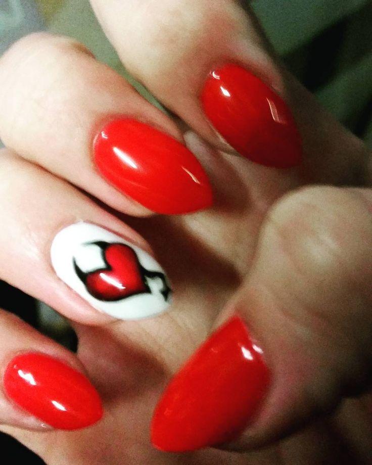 #nails #paznokcie #czerwien #serce #rednails #hearts❤ #diablo #naturalnaplytka #mojepaznokcie #walentynki #naturalnaplytka #brunette #polishgirl #pazurki #valentinesnails