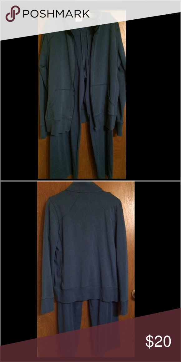 Dark Teal Jogging Suit Ladies Used Dark Teal Jogging Suit. This Jogging Suit Is For People Who Are Short. The Pants are Large 12P-14P Petite, The Jacket Is A Large Which Fits Great For Someone Who Is Short. Danskin Now Pants Track Pants & Joggers