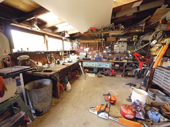 """""""Most Useful Tools for a Half-Acre Homestead"""" DIY veteran Lloyd Kahn shares the tried-and-true tools and techniques that have kept his half-acre homestead humming for 40 years From: MOTHER EARTH NEWS"""