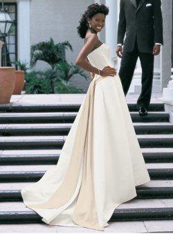 bustier avec un châssis robes de mariage de couleur crème