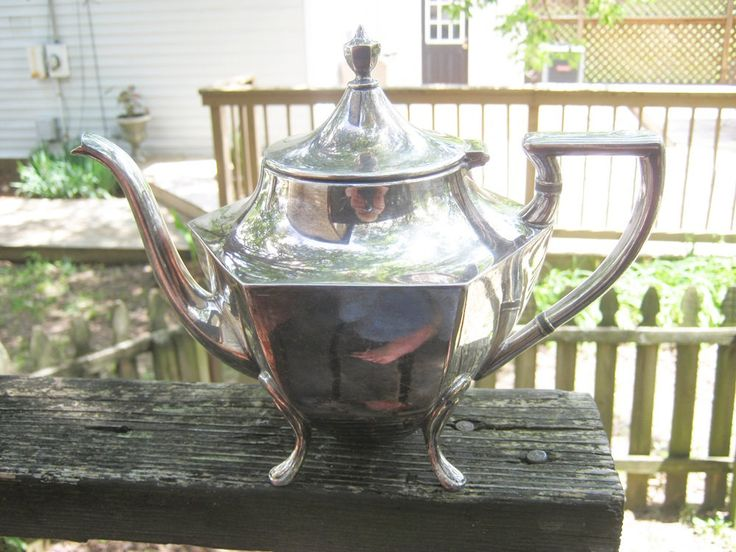 Rogers Canada 1881 Silverplate Teapot, Art Deco Design, EPBM 930, Double Wreath, 7 Inches Tall, Footed Teapot, 1920's Teapot, Hinged Lid by Junkblossoms on Etsy