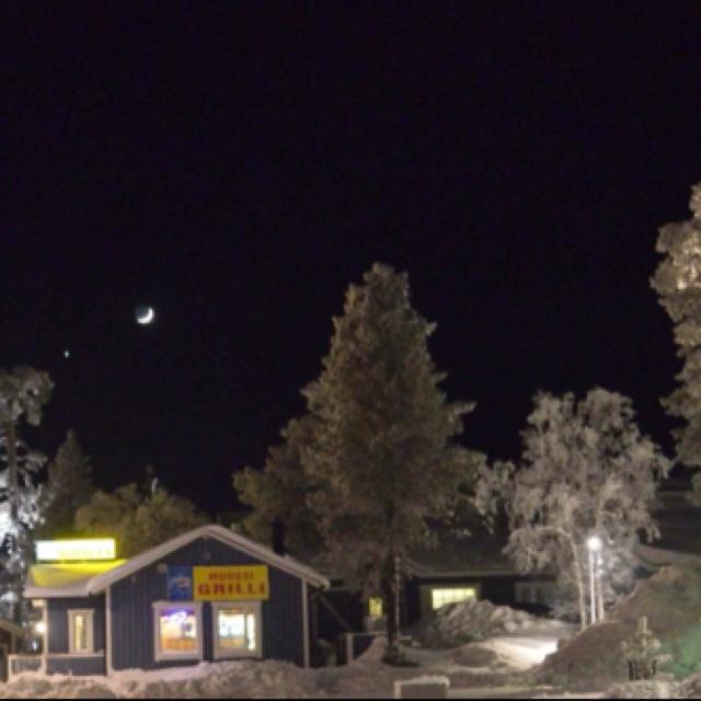フィンランドのサーリセルカという街のとある景色です。 絵に描いたような可愛いらしい風景でした♡