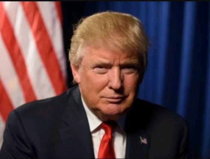 Trump esulta: la Corte Suprema reintegra il Muslim Ban Buone notizie per il presidente americano Trump, che dopo la prima doccia fredda di alcuni mesi fa riesce finalmente a far passare alla Corte uno dei punti centrali del suo programma elettorale, cioè #trump #muslimban #america